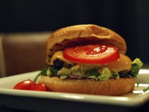 DESEO Tapas Bar - Monatstapa November: Beef Burger